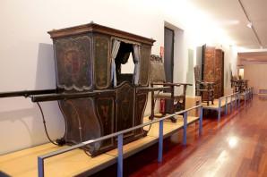 Cadira de mà exposada al museu