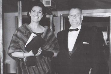Andreu Colomer amb la seva senyora Pilar Guanyabens en una convenció internacional de pellaires a Londres (Fons de la família d'Andreu Colomer Munmany)